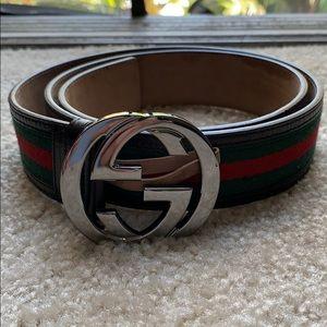 Barely worn men's Gucci belt